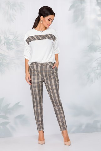 Compleu Petra cu bluza alba si pantaloni in carouri