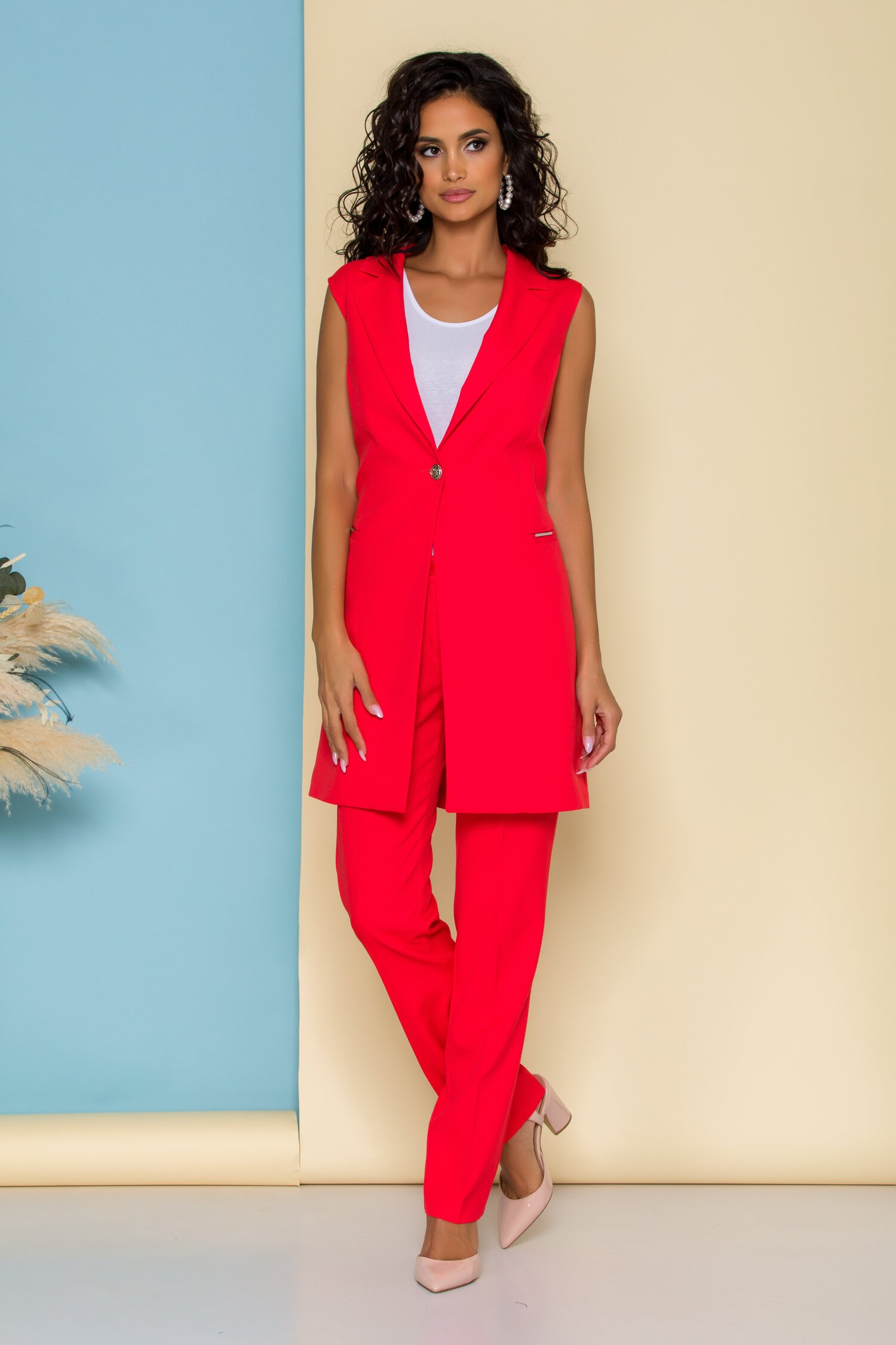 Compleu Sabrina rosu cu sacou lung fara maneci si pantaloni