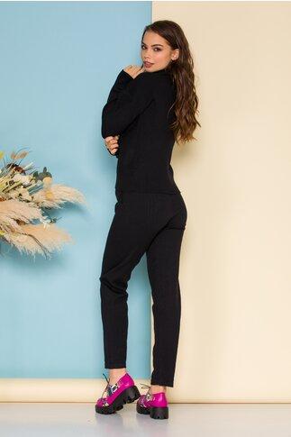 Compleu Selena negru din tricot cu bluza pe gat si pantaloni