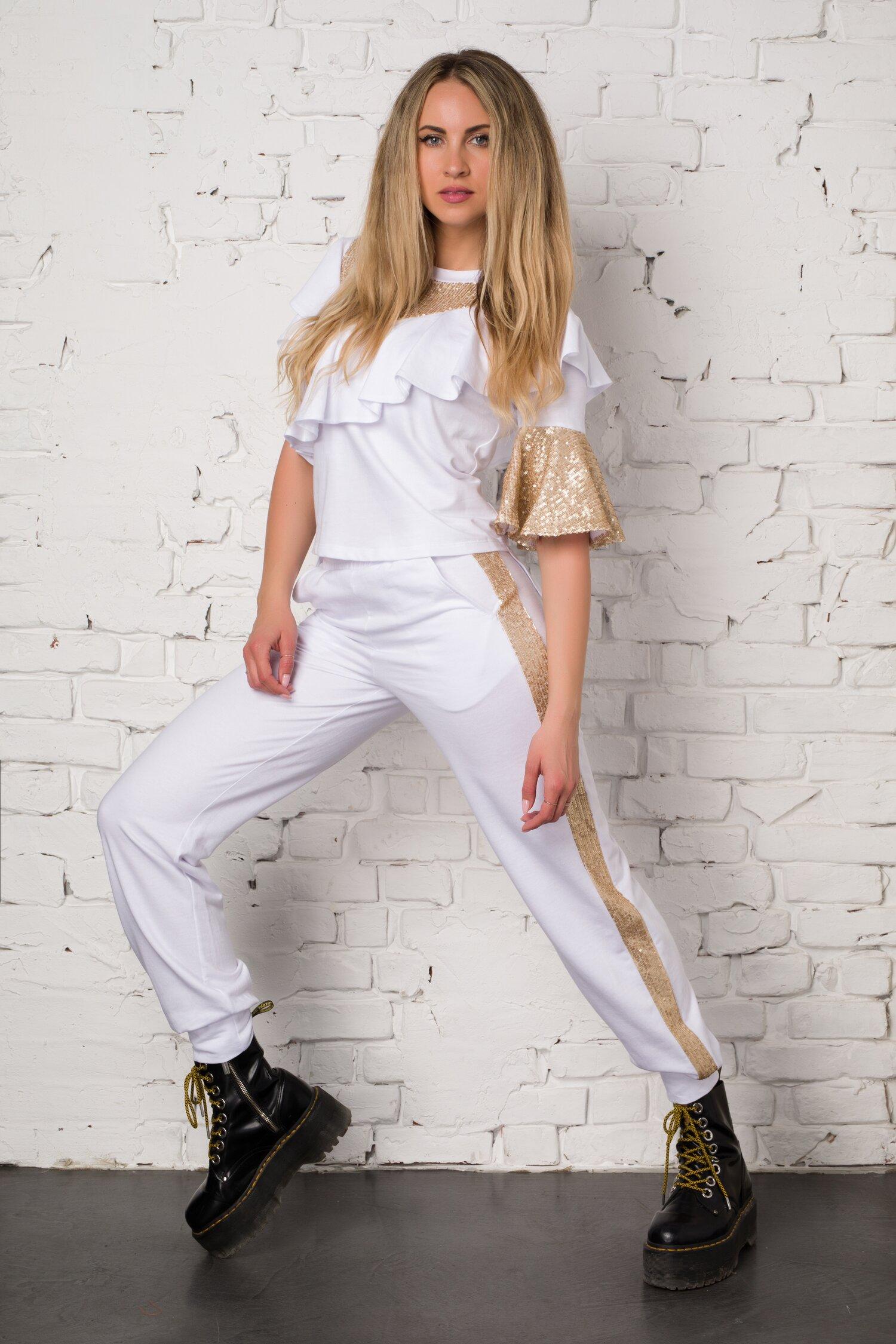 Costum sport alb LaDonna by Catalin Botezatu cu volane si paiete aurii