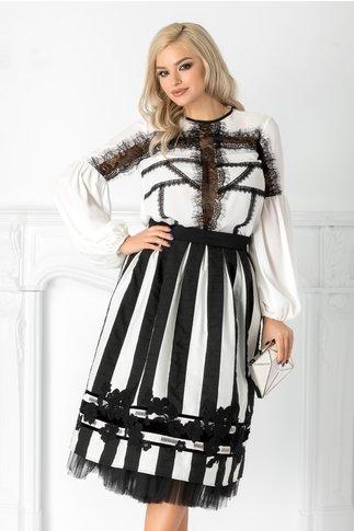 Fusta LaDonna cu dungi alb-negre si broderie handmade