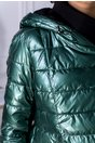 Geaca verde metalizat din fas cu fermoar pe o parte