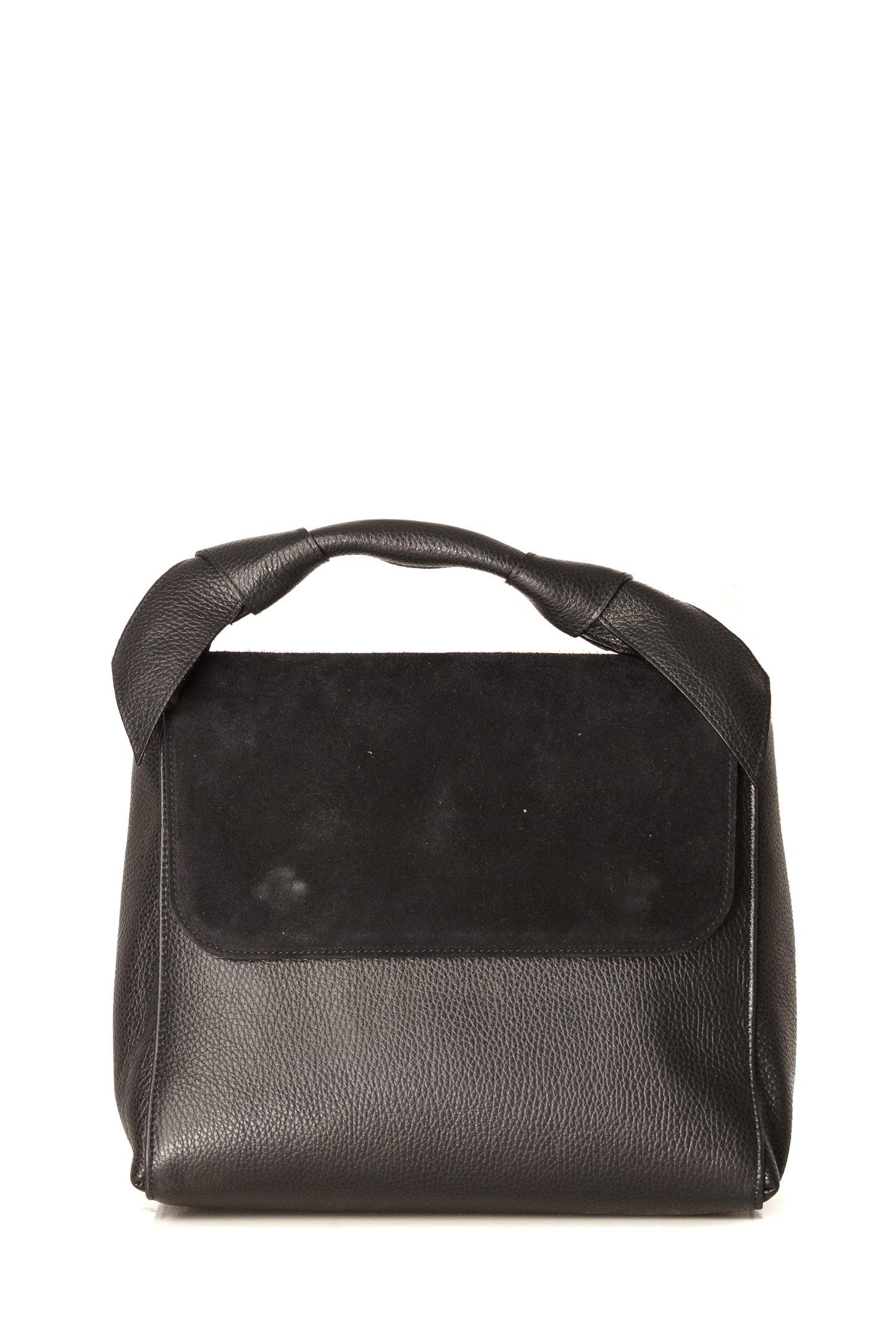Geanta neagra din piele naturala cu aplicatii la maner