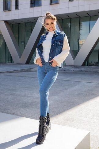 Jacheta Doris bleu din denim cu maneci din tricot pufos