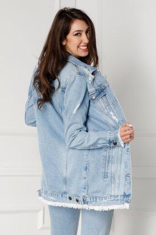 Jacheta Lora albastru deschis din denim cu aspect prespalat si zgarieturi