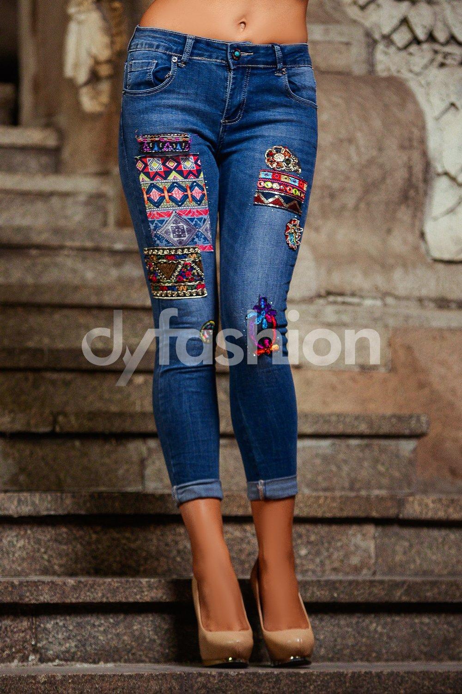 Jeans Albastri Dama cu Aplicatii Colorate