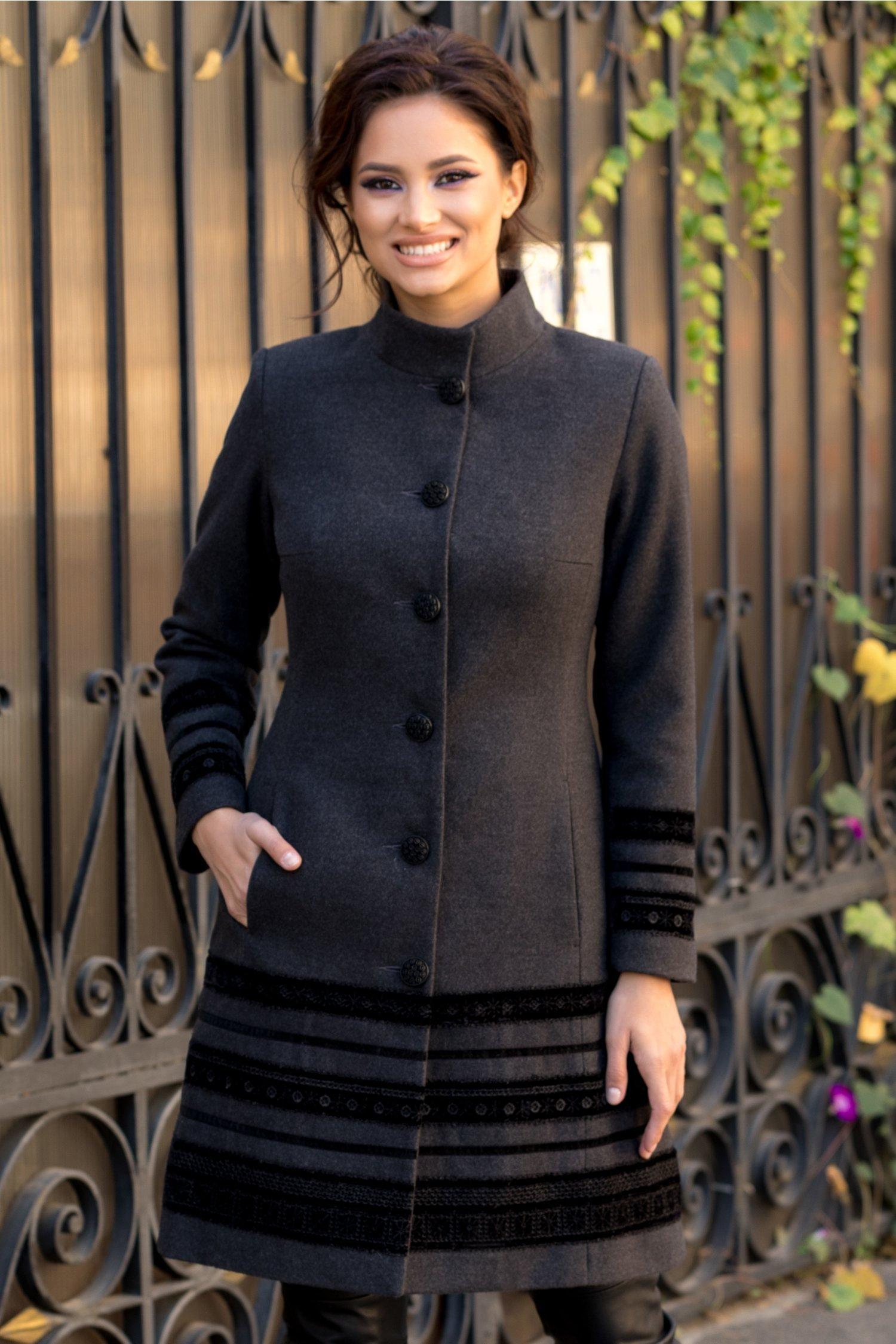 Palton LaDonna gri cu insertii deosebite din catifea