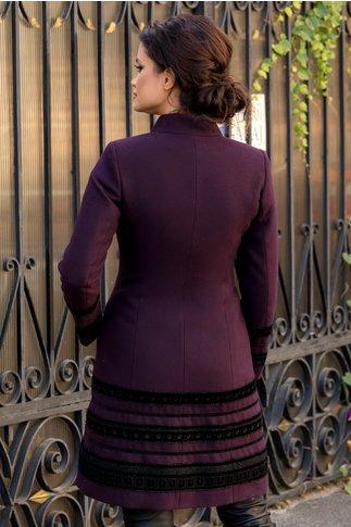 Palton LaDonna mov cu insertii deosebite din catifea brodata