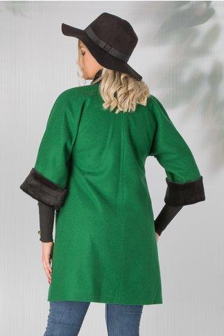 Palton Leonard Collection verde accesorizat cu blanita neagra si broderie cu margelute