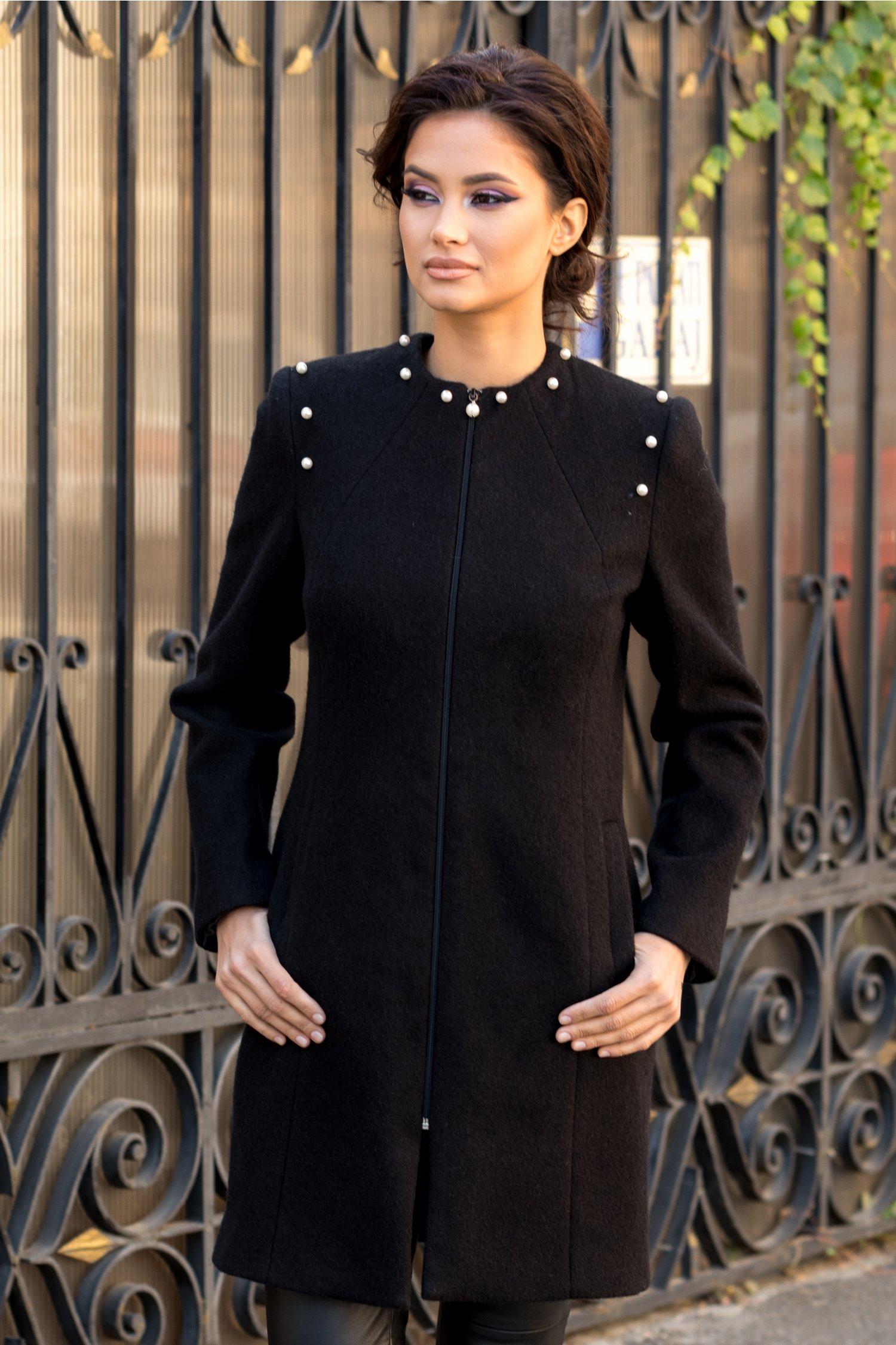 Palton negru din lana cu perle aplicate