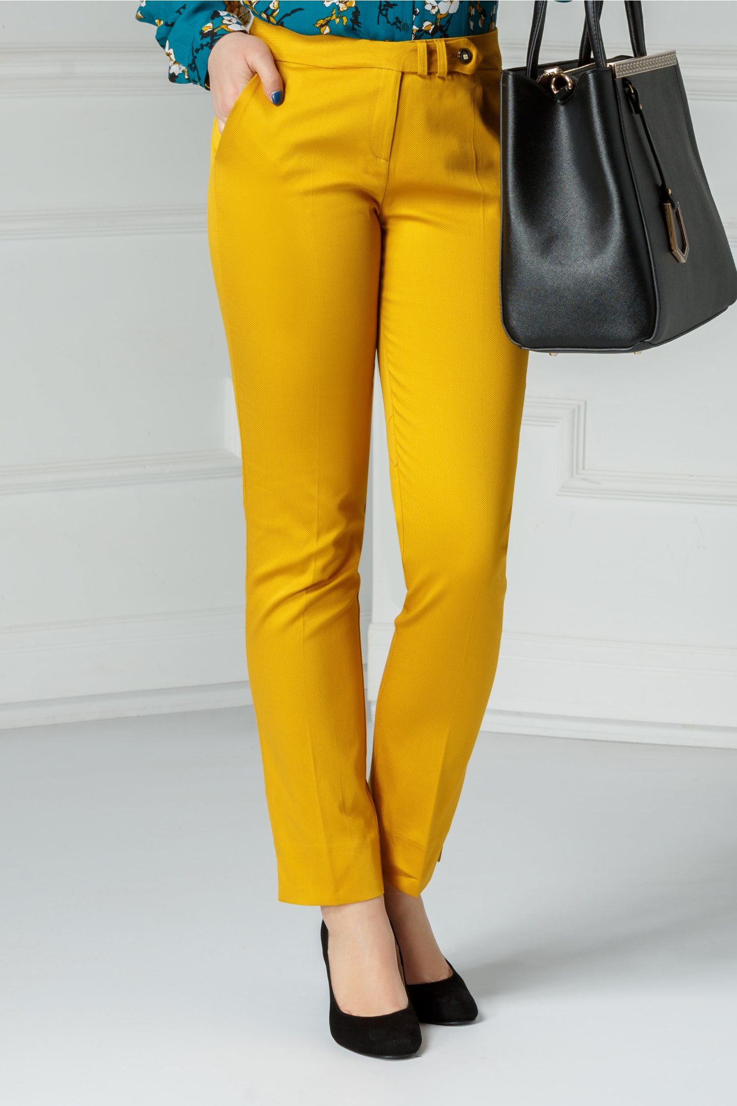 Pantalon Debra office galben din bumbac