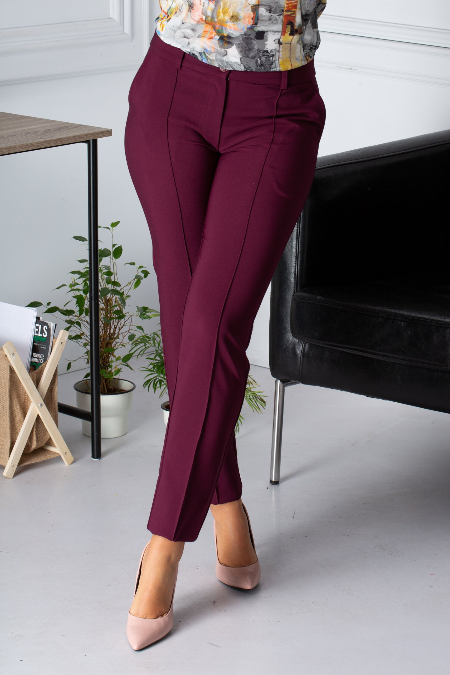 Pantaloni La Donna office bordo cu dunga