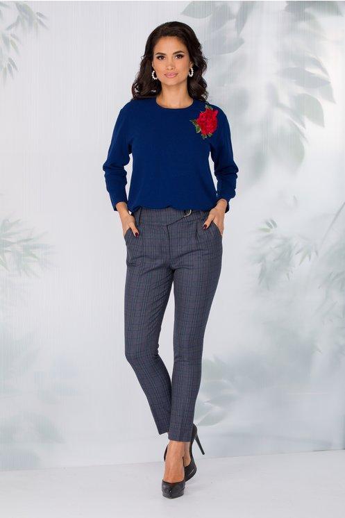 Pantaloni LaDonna gri cu carouri eleganti cu catarama