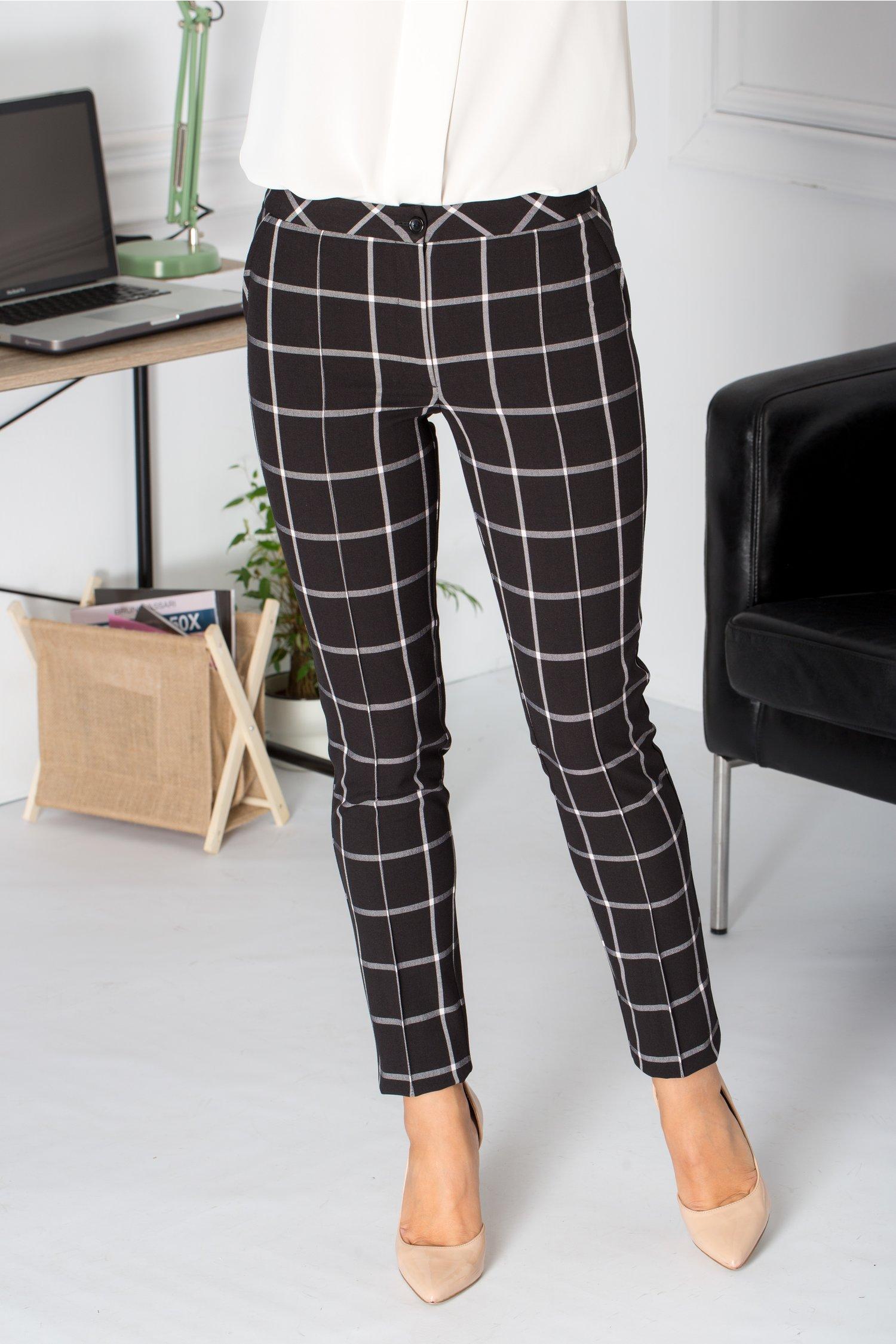 Pantaloni LaDonna negrii cu carouri mari