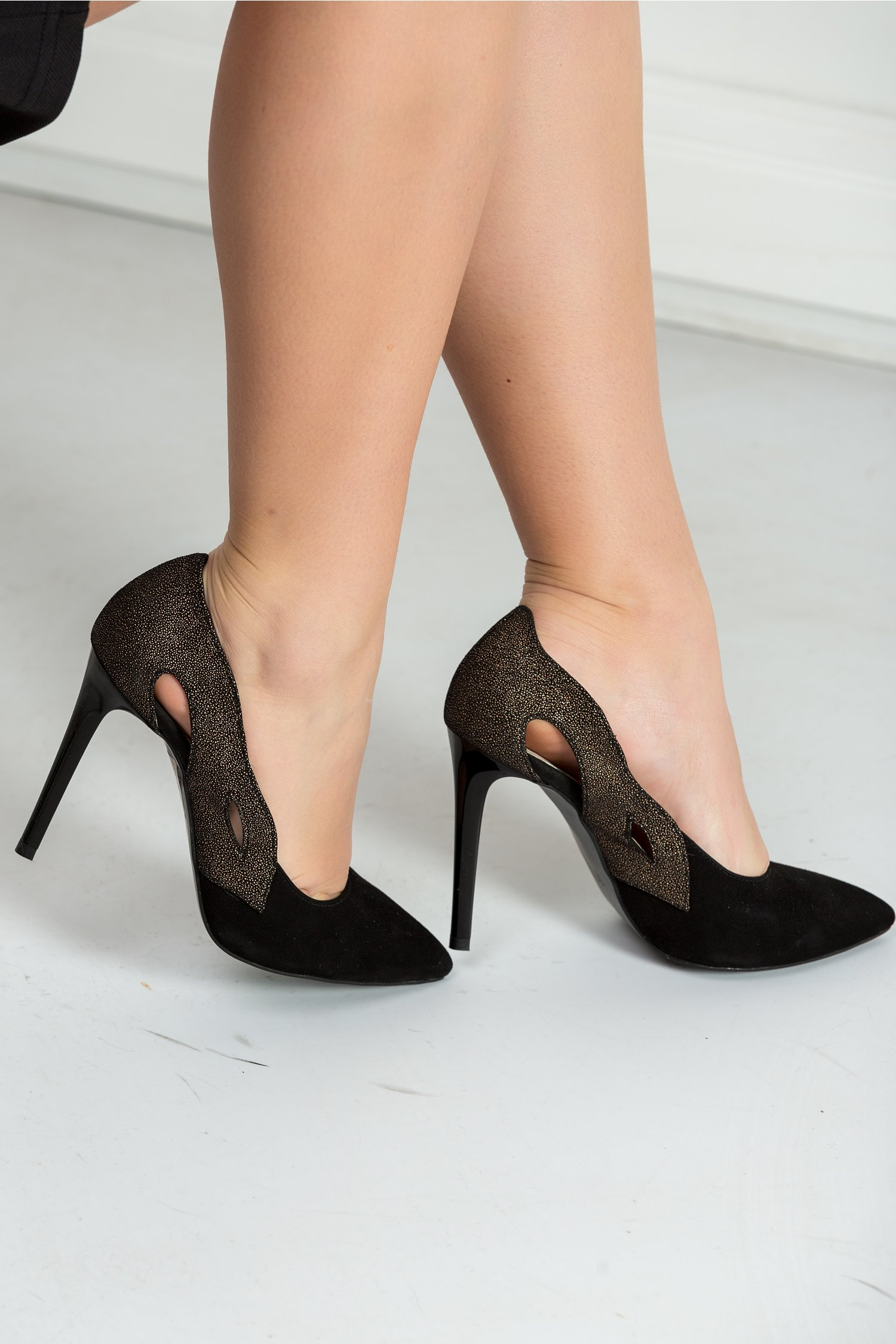 Pantofi Alice stiletto negri cu decupaje