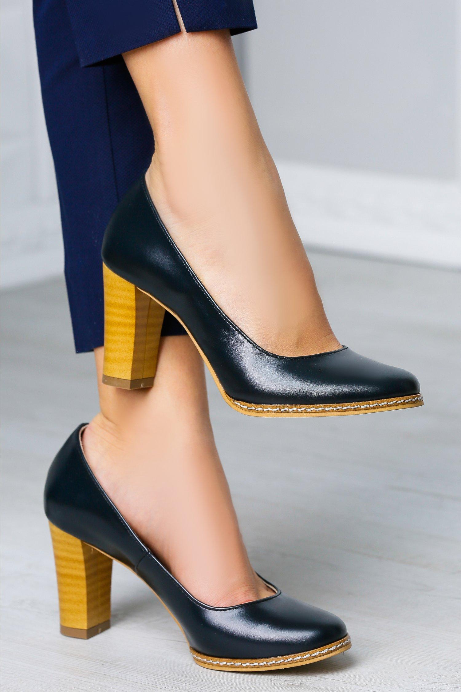Pantofi Arabela bleumarin office cu toc maro