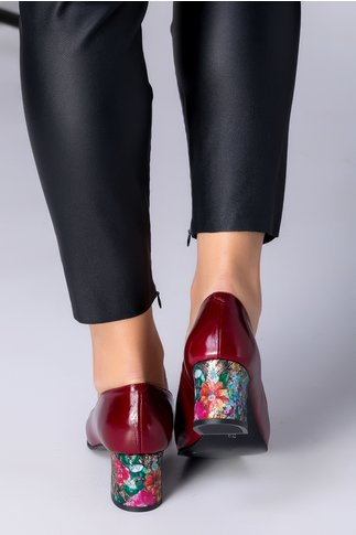 Pantofi Aron bordo cu toc jos cu imprimeu