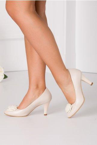 Pantofi bej perlat cu margelute in fata