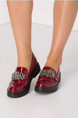 Pantofi bordo cu aplicatii stil margele gri