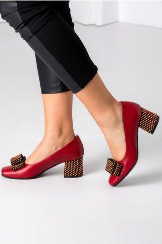 Pantofi bordo cu buline 3D