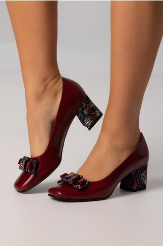 Pantofi bordo cu fundita si toc multicolor