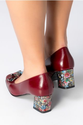 Pantofi bordo cu imprimeu floral