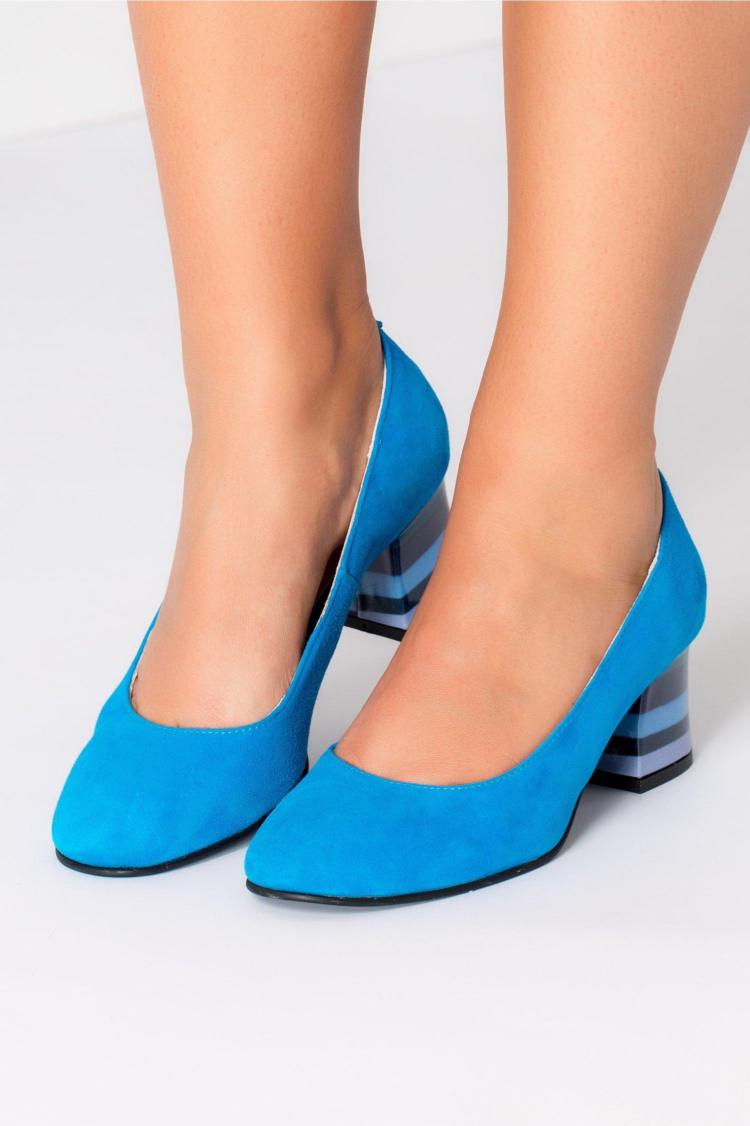 Pantofi dama albastrii cu toc cu dungi