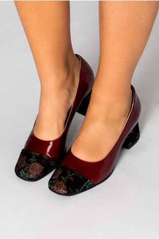 Pantofi dama bordo cu insertii florale
