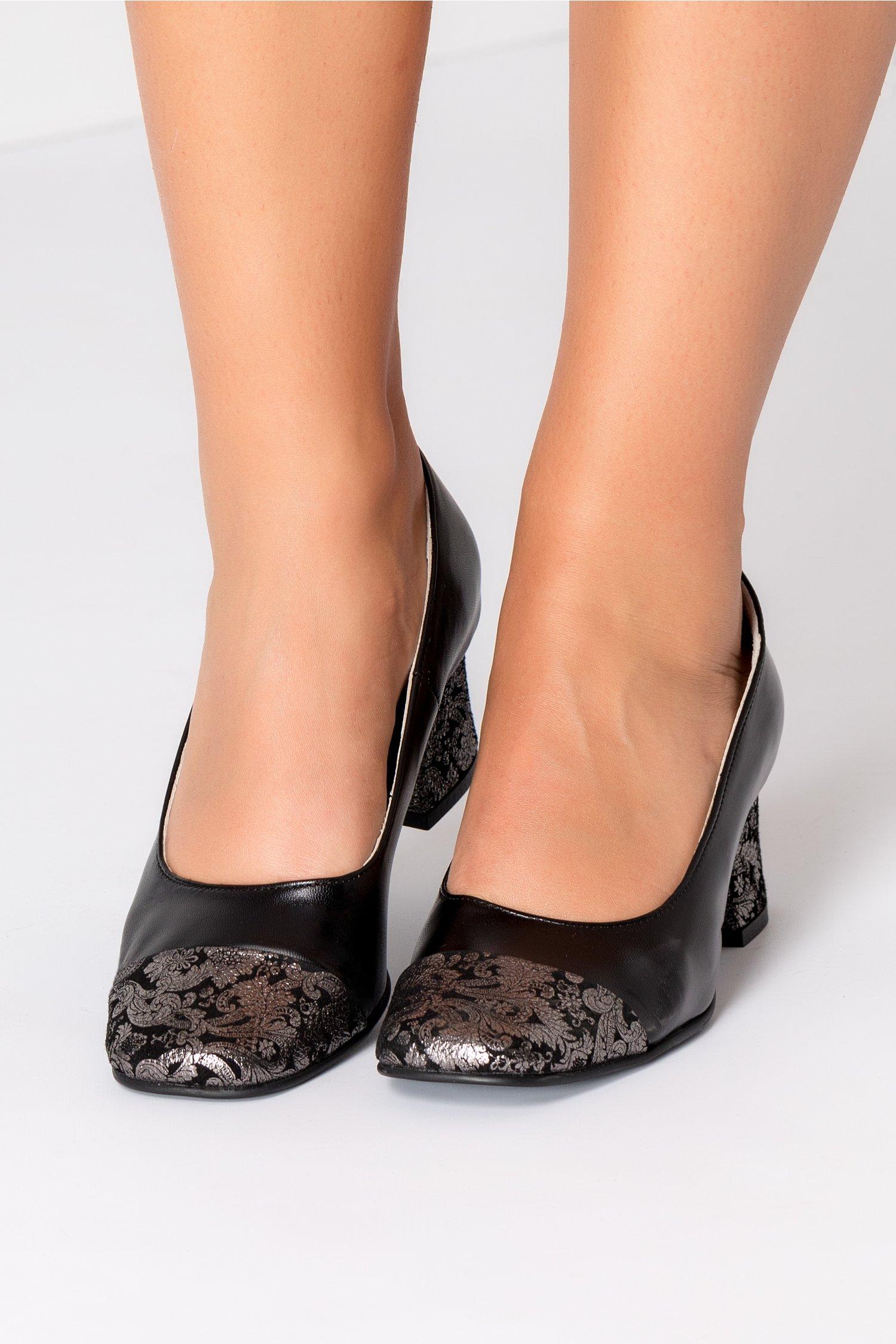 Pantofi dama negrii cu insertii argintii
