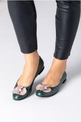 Pantofi dama verzi cu talpa joasa si aplicatie bej cu perlute