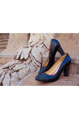 Pantofi eleganti bleumarin cu toc inalt si design cu liniute