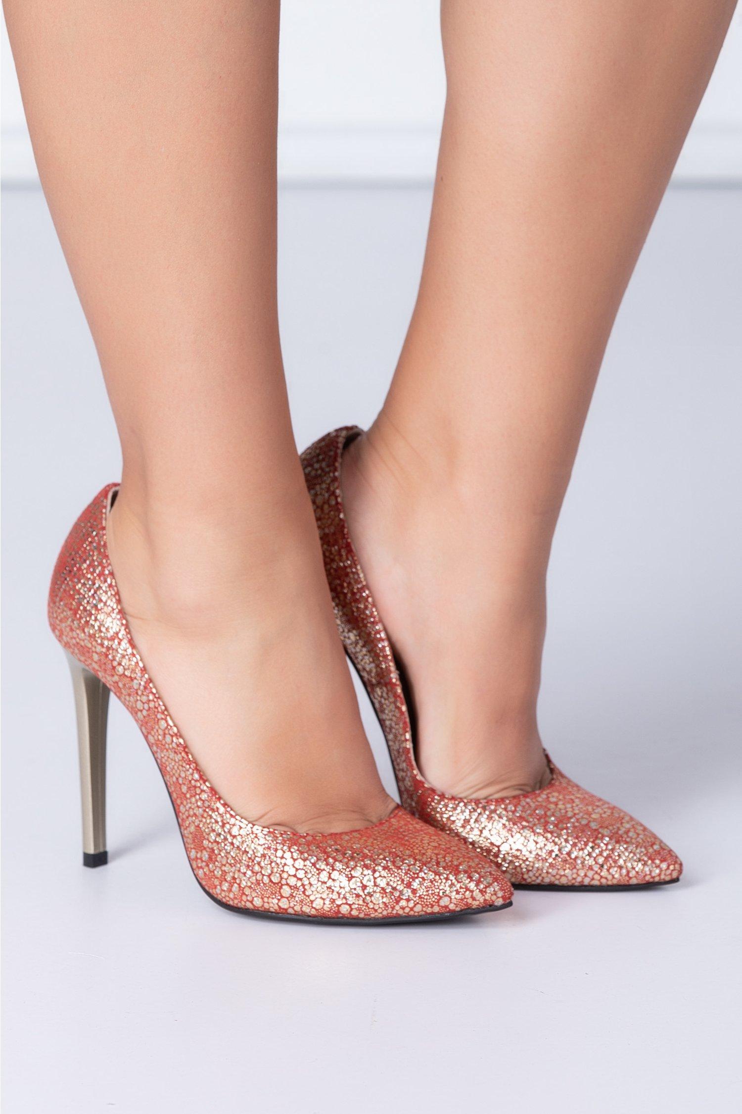 Pantofi eleganti rosii cu insertii aurii