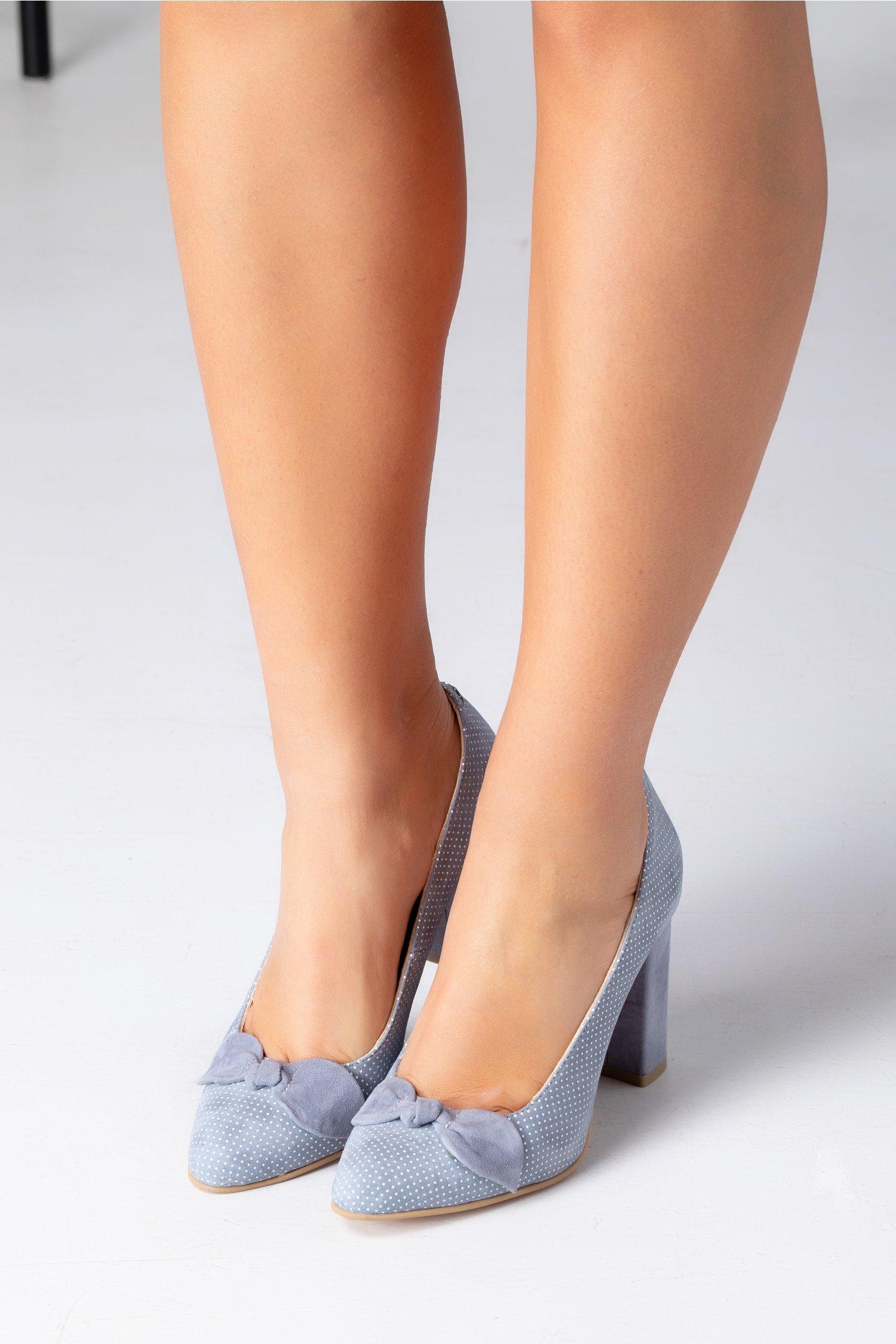 Pantofi Ely gri cu buline si fundita