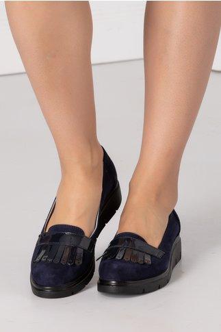 Pantofi Emma bleumarin cu ciucurei negri si decupaj
