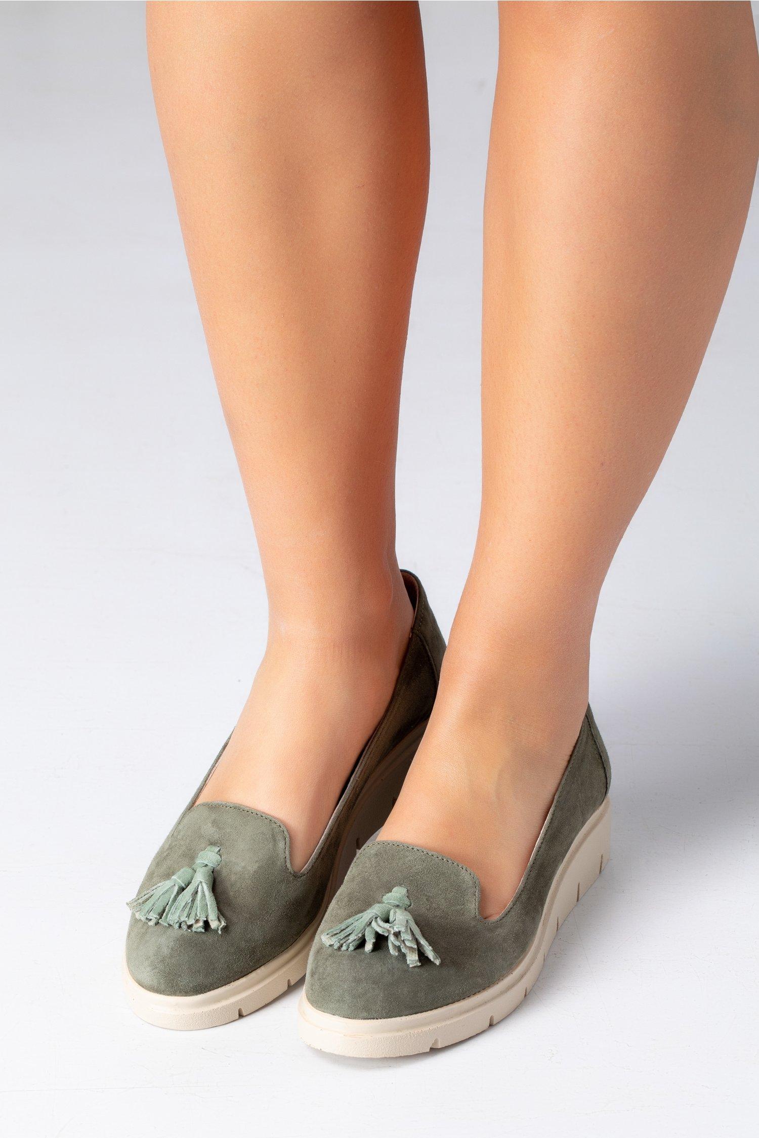 Pantofi Emma kaki cu ciucurei si decupaj