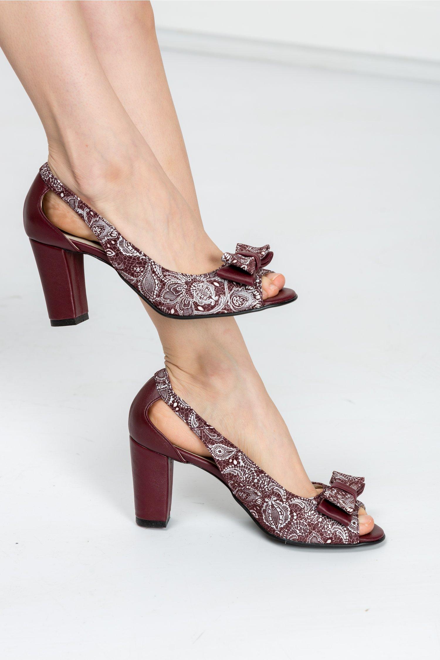 Pantofi Ester grena cu imprimeuri si decupaje