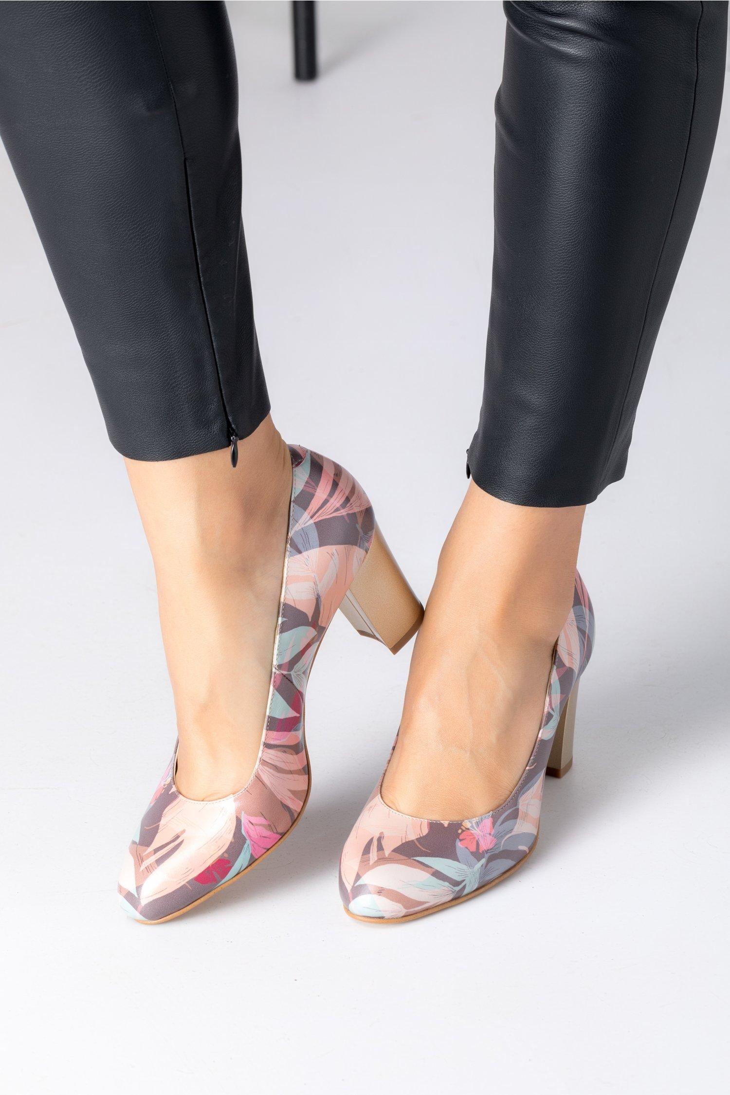 Pantofi Floris cu imprimeuri pastelate