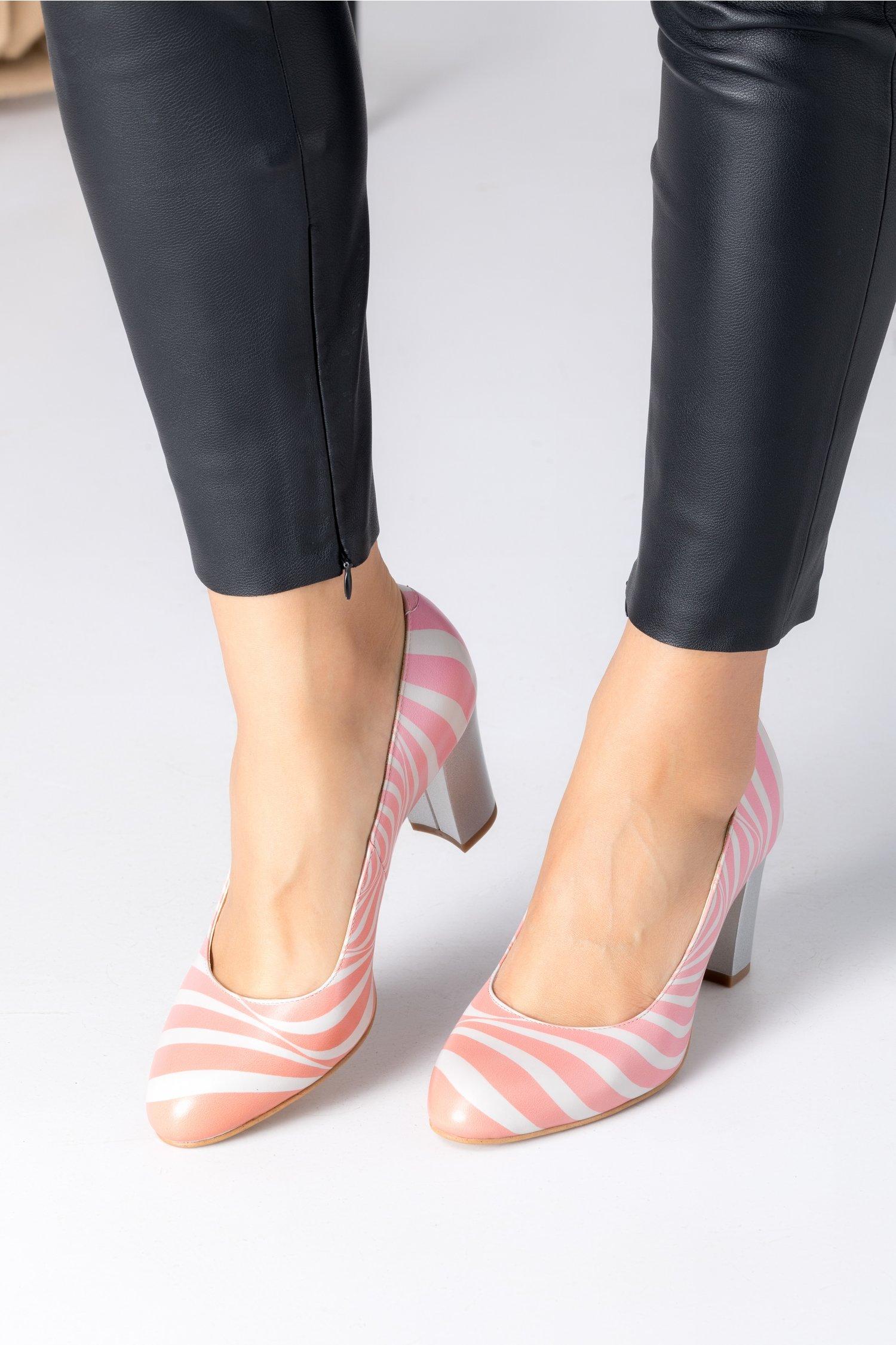 Pantofi Floris cu zebra print roz