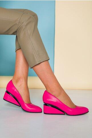 Pantofi fucsia cu toc futurist din piele naturala