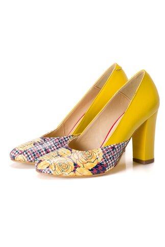 Pantofi galben cu imprimeu floral pe varf si toc lacuit
