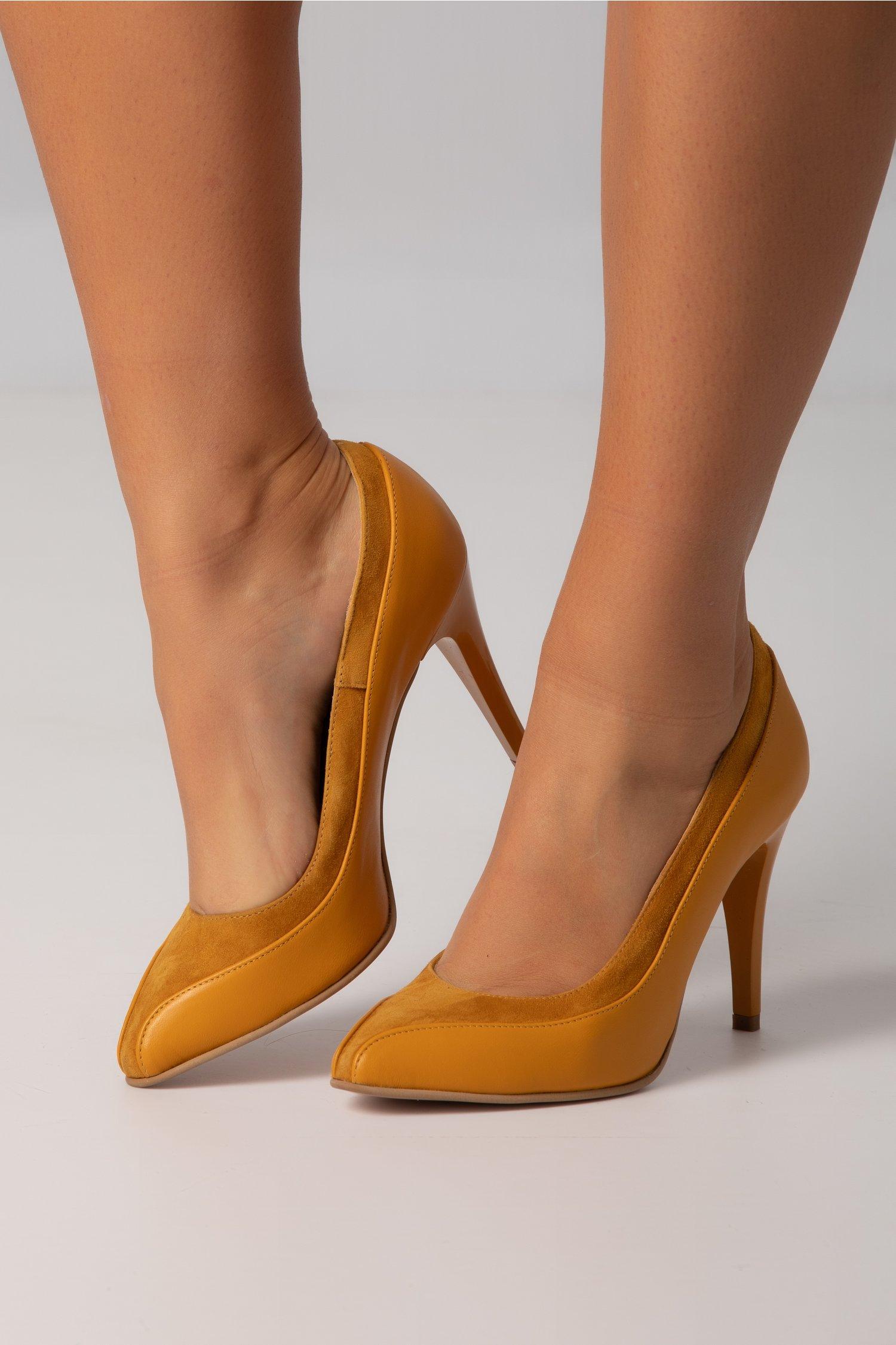 Pantofi galben mustar cu design deosebit si toc subtire