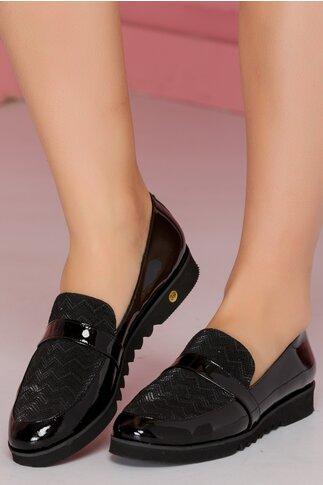 Pantofi josi negri din piele lacuita si banda decorativa