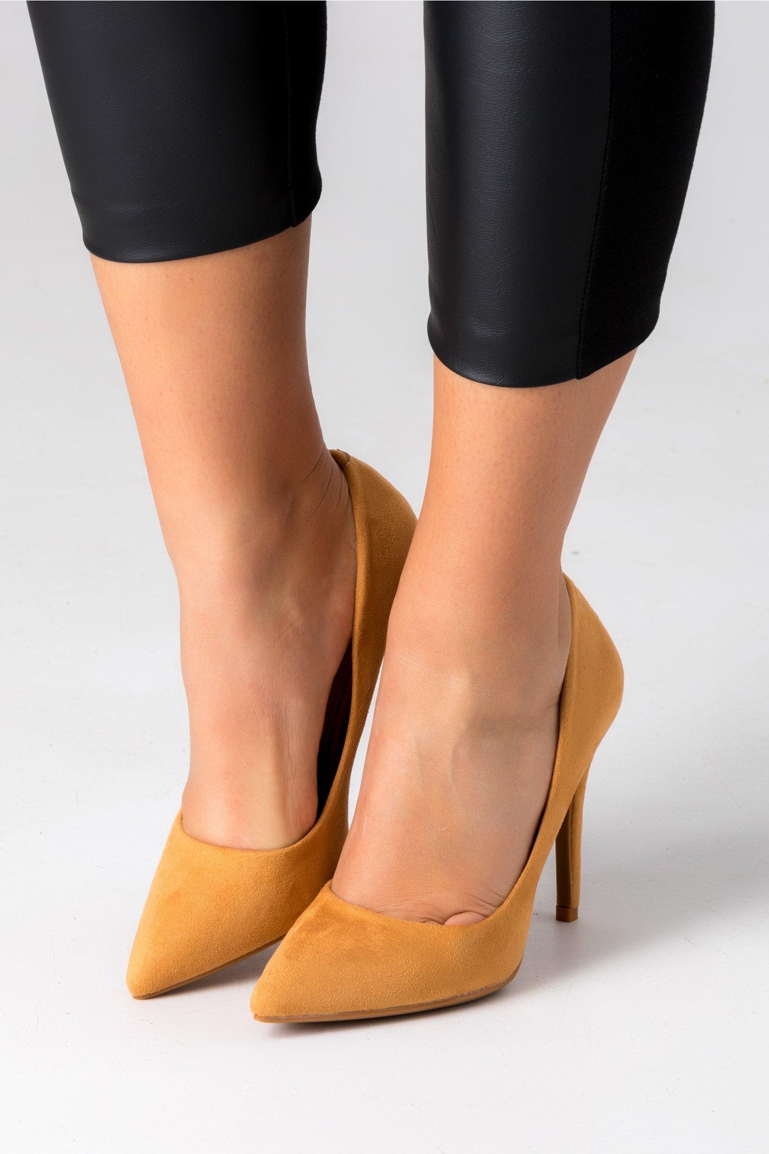 Pantofi maro camel stiletto din piele intoarsa ecologica