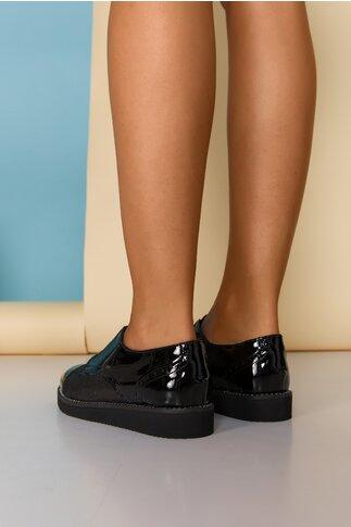 Pantofi negri cu banda elastica si strasuri pe talpa