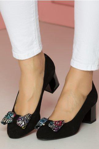 Pantofi negri cu fundita maxi in fata cu insertii stralucitoare