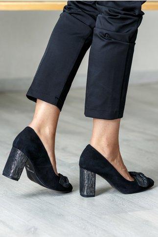 Pantofi negri cu fundita maxi si toc pastelat