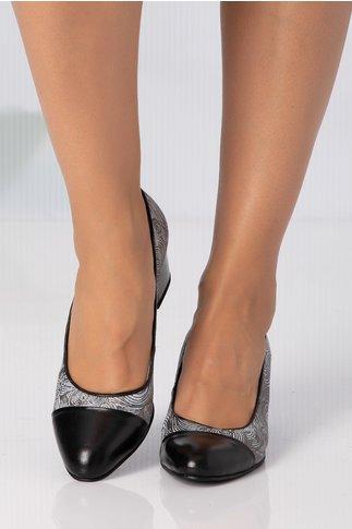 Pantofi negri cu imprimeu abstract gri, cu reflexii argintii