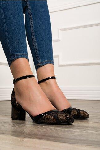 Pantofi negri cu imprimeu auriu si bareta la glezna