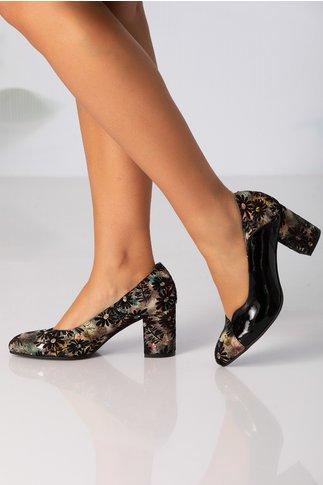 Pantofi negri cu imprimeu floral vintage si insertie din piele lacuita