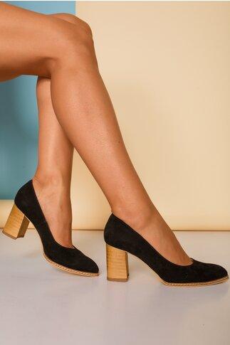 Pantofi negri cu toc gros si cusaturi laterale